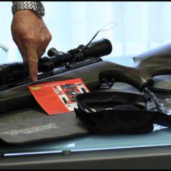 Detenido portando pistola de aire fuera de la escuela Seminole Ridge