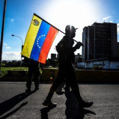 Venezolanos reunieron suministros