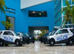 Policía de Miami trata de identificar a mujer envuelta en accidente mortal