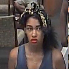 Policía busca una mujer que intentó robar un banco PNC en Fort Pierce