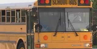 10 jóvenes al hospital por accidente de bus escolar en Port St. Lucie